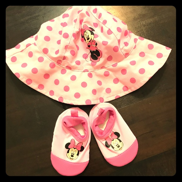 Disney Minnie Mouse Sun Hat   Water Shoes 0-12 mo 1c3f0260cd7